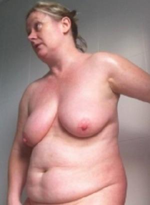 huisvrouw geeft massage stel zoekt vrouw trio