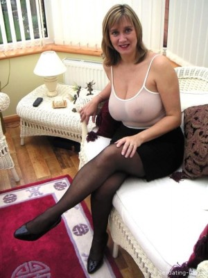 older horny women for dating