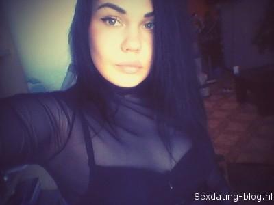 Kelsey uit zeeland wil sex afspraak